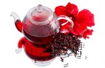 Когда чай каркаде повышает давление, а когда — понижает?