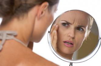 Как правильно избавиться от первых морщин на лице?