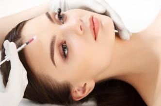 Инъекции против морщин на лице