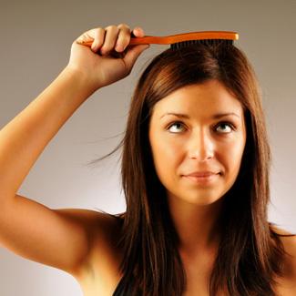 Но оказывается, есть масса народных средств для ухода за волосами.  Рецепты простые, все средства легко.
