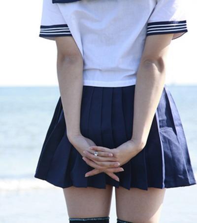 Фото и картинки красивых ножек и девушек в мини юбках
