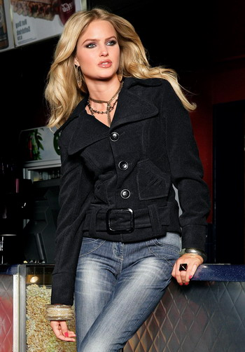 модные женские куртки на весну 2012 в Москве