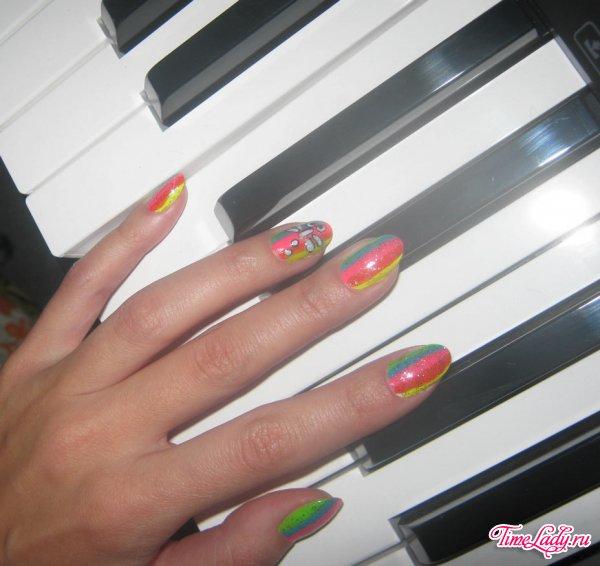 Рисунок на ногтях в домашних условиях кисточкой