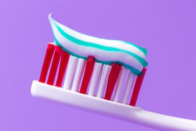 Как выбрать зубную щётку: советы стоматолога