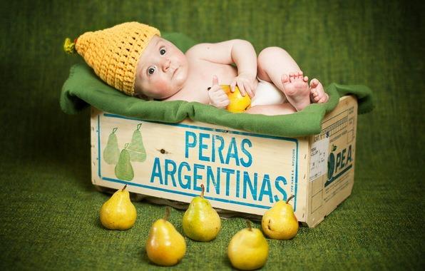 Младенец и груши