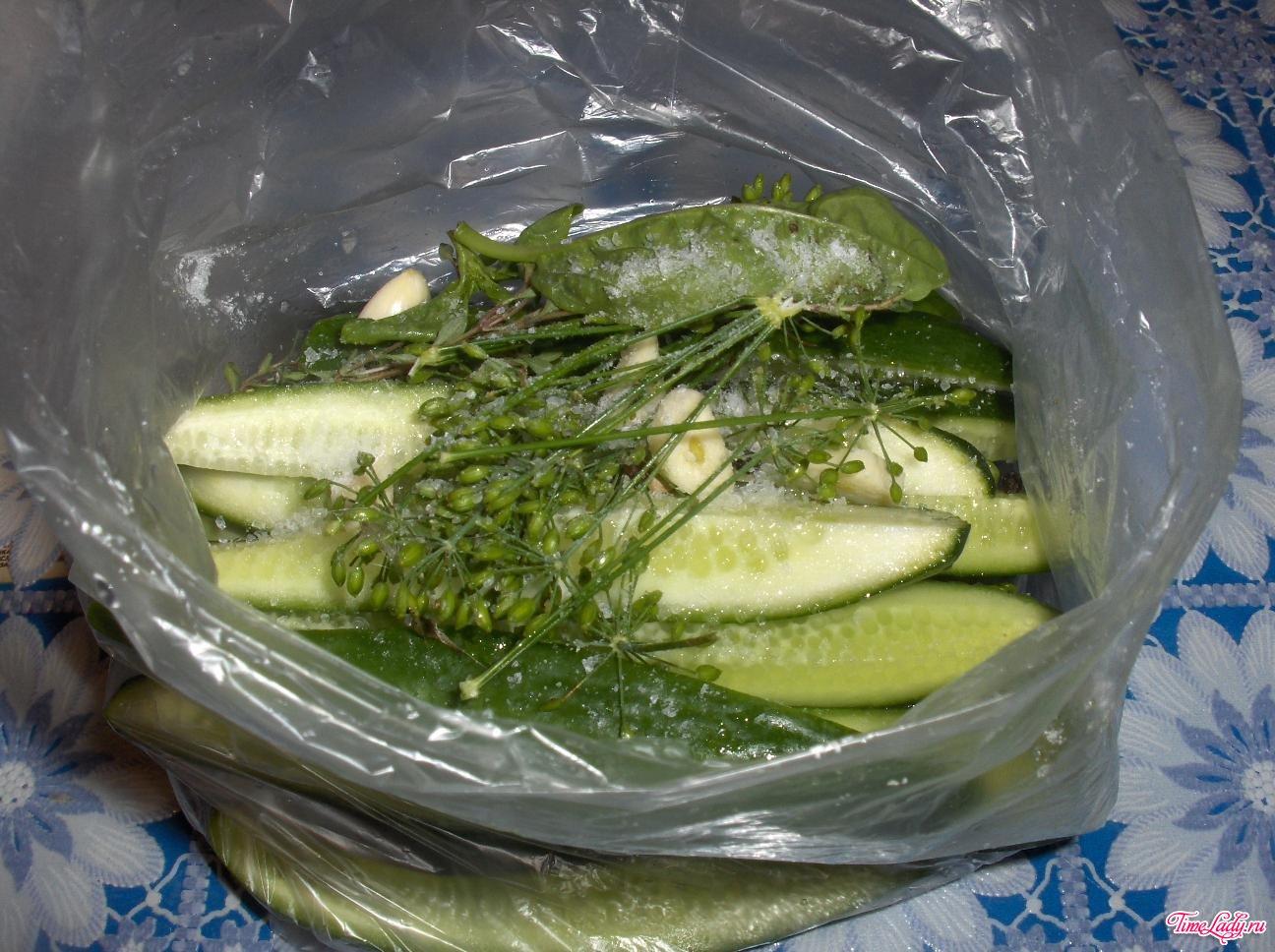 Рецепт малосольных огурцов хрустящих с холодной водой 64