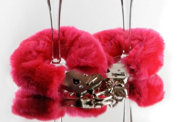 Что подарить парню на 14 февраля – День Святого Валентина? Варианты подарков