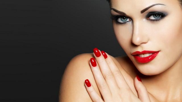 3 вариант макияжа для смуглых брюнеток