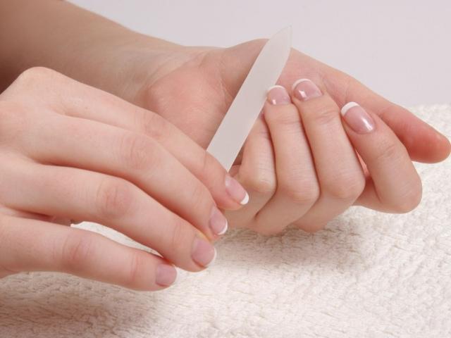 Формирование свободного края ногтевой пластины