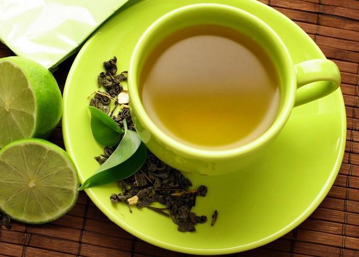 Зеленый чай поднимает или опускает давление