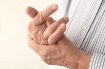 Онемение пальцев правой руки