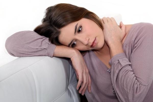 Бели у женщин: причины, лечение, виды выделений