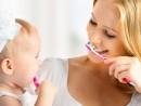 Когда начинать чистить ребёнку зубы?